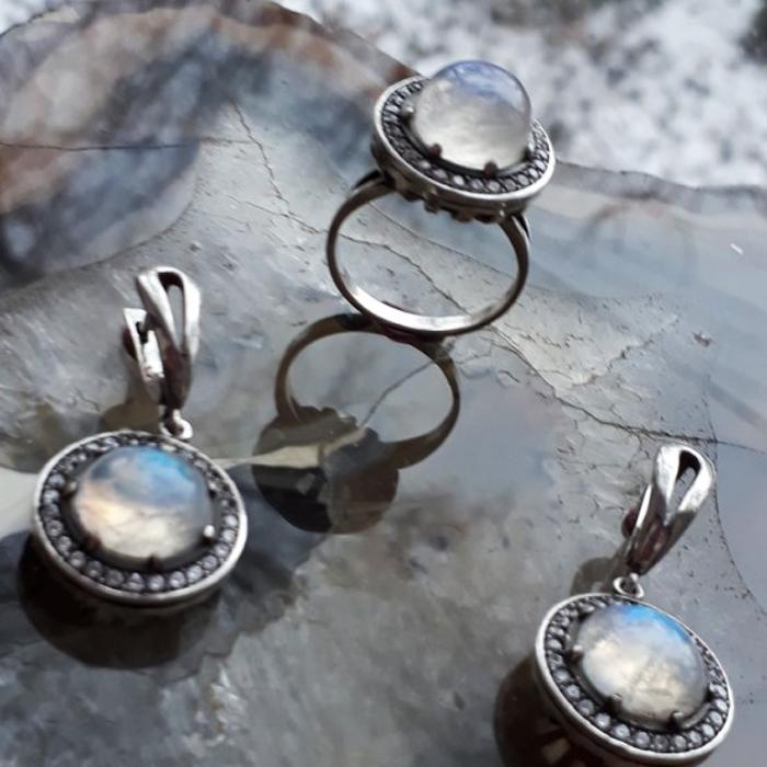 f5e4cdddc2ed Авторские ювелирные изделия   Набор  кольцо, серьги (лунный камень адуляр)